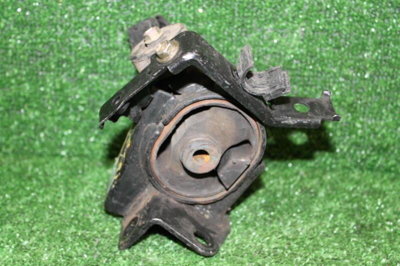 фото подушек двигателя тойота опа выездная